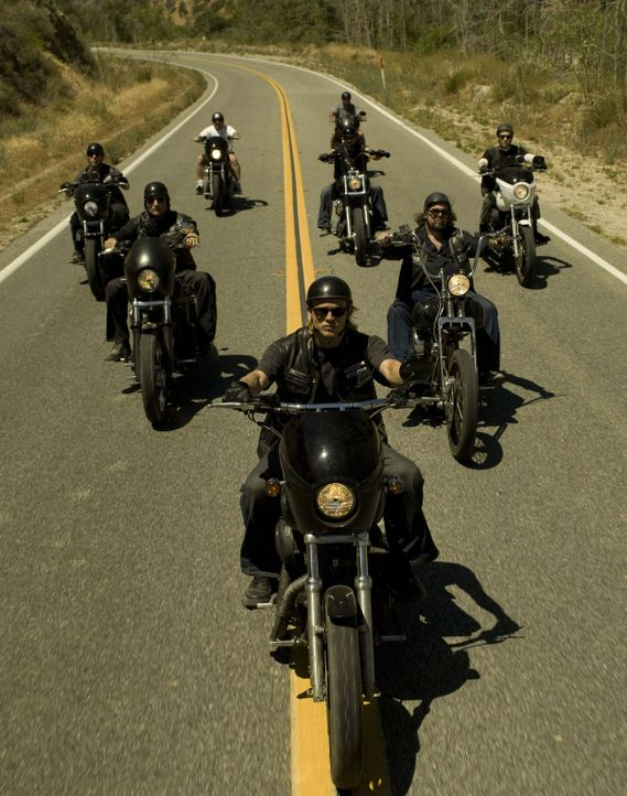 "(1. Staffel) - Sie sind das Gesetz in dem kleinen Ort Charming, einer nordkalifornischen Kleinstadt: Die ""Sons of Anarchy"" - Bildquelle: 2008 FX Networks, LLC. All rights reserved."