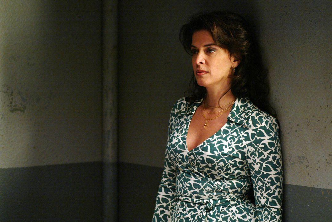 DiNorsios Ex-Frau (Annabella Sciorra) begreift erst beim Besuch ihres Ex-Mannes, dass er tatsächlich ein kaltblütiger und gewissenloser Mafioso is... - Bildquelle: 2006 Yari Film Group Releasing, LLC