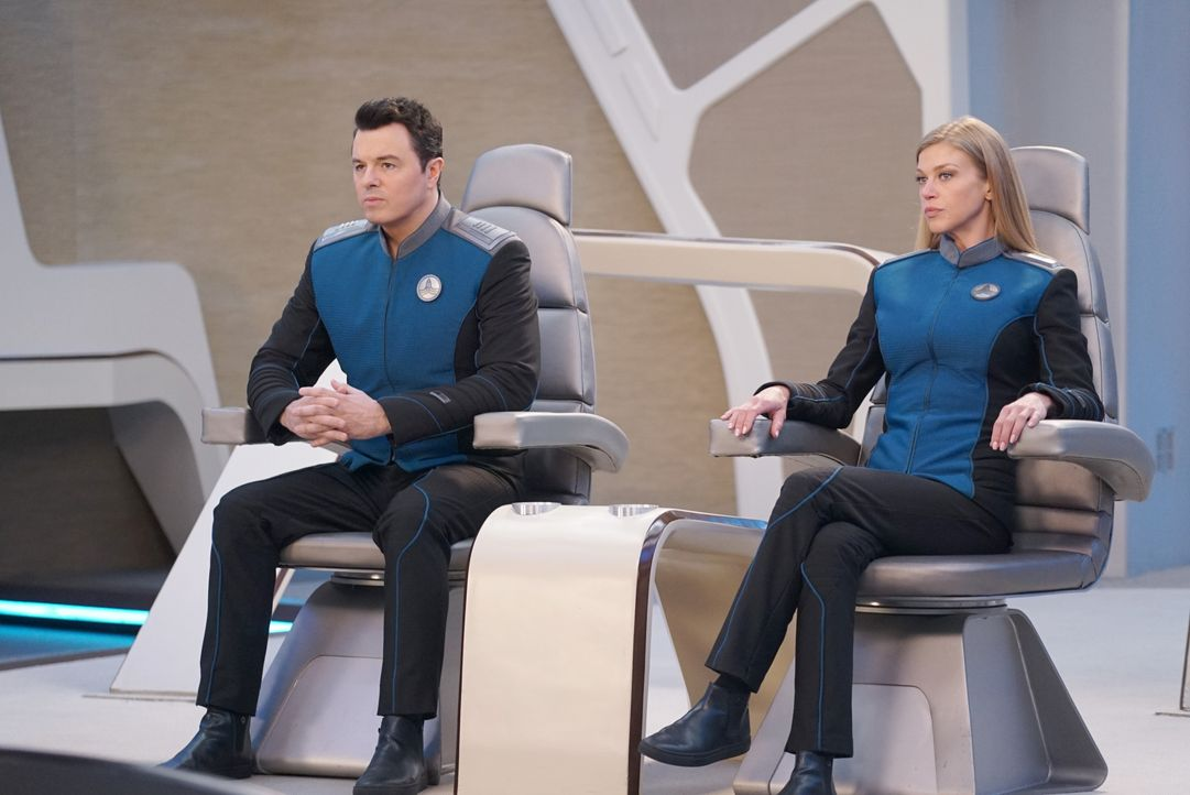 Captain Ed Mercer (Seth MacFarlane, l.); Commander Kelly Grayson (Adrianne Palicki, r.) - Bildquelle: Kevin Estrada 2019 Twentieth Century Fox Film Corporation. All rights reserved. / Kevin Estrada