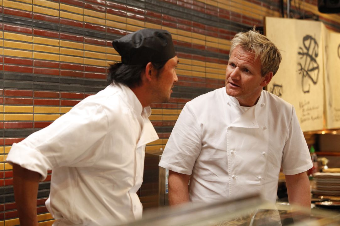 Gordon Ramsay (r.) - Bildquelle: Greg Gayne 2009 ITV Studios, Inc. all rights reserved. / Greg Gayne