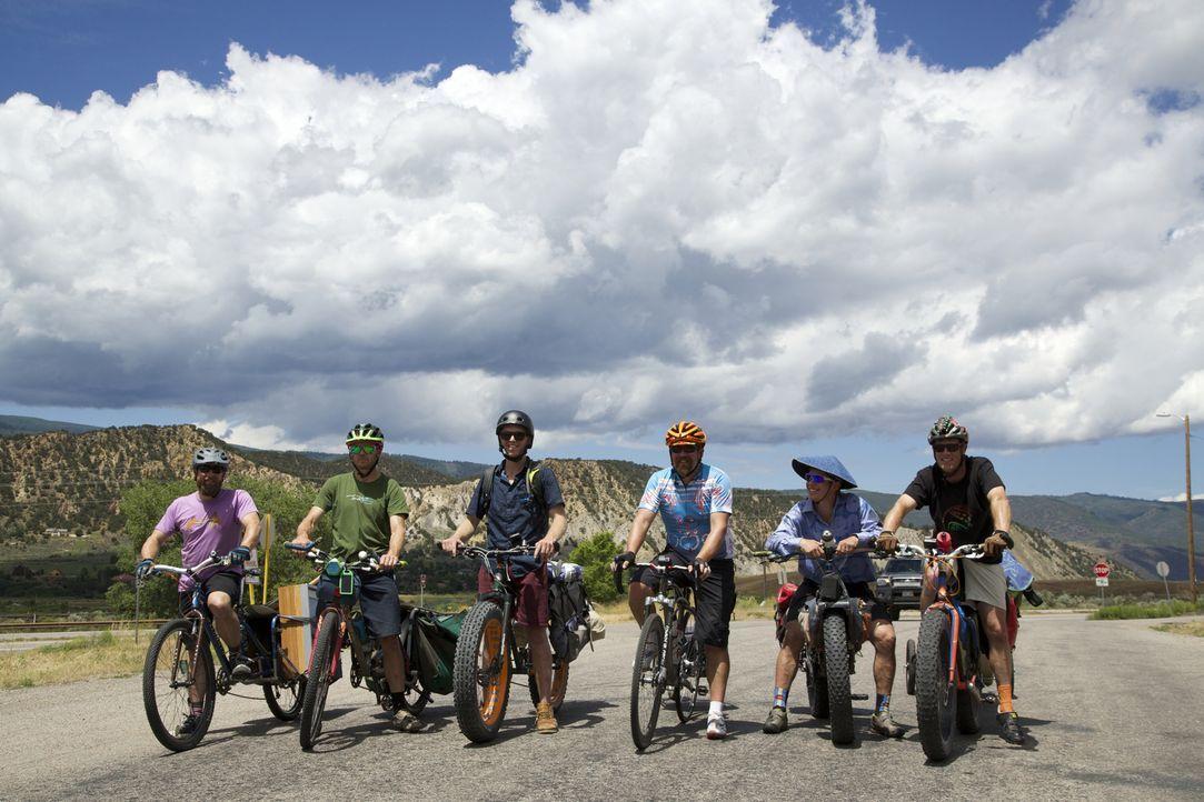 Die begeisterten Radfahrer, die sich selbst Stomparillaz nennen, nehmen es selbst mit dem rauen Terrain der Rocky Mountains auf ... - Bildquelle: 2016,DIY Network/Scripps Networks, LLC. All Rights Reserved.