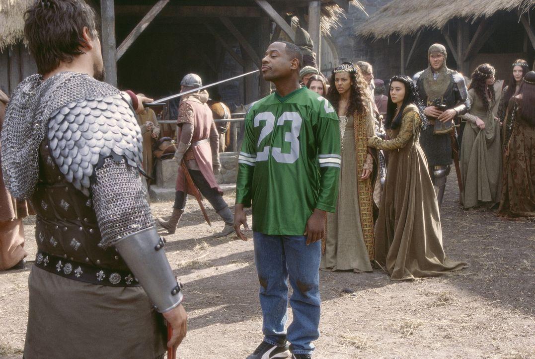 Eines Tages gerät der Angestellte Jamal (Martin Lawrence, 2.v.l.) mitten ins Mittelalter. Dort lernt er die bezaubernde Victoria (Marsha Thomason, M... - Bildquelle: 20th Century Fox