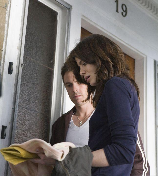 Als ein junges Detektivpärchen (v.l.n.r.: Casey Affleck, Michelle Monaghan) damit beauftragt wird, das mysteriöse Verschwinden eines kleinen Mädchen... - Bildquelle: Claire Folger 2006 Miramax Film Corp. All rights reserved