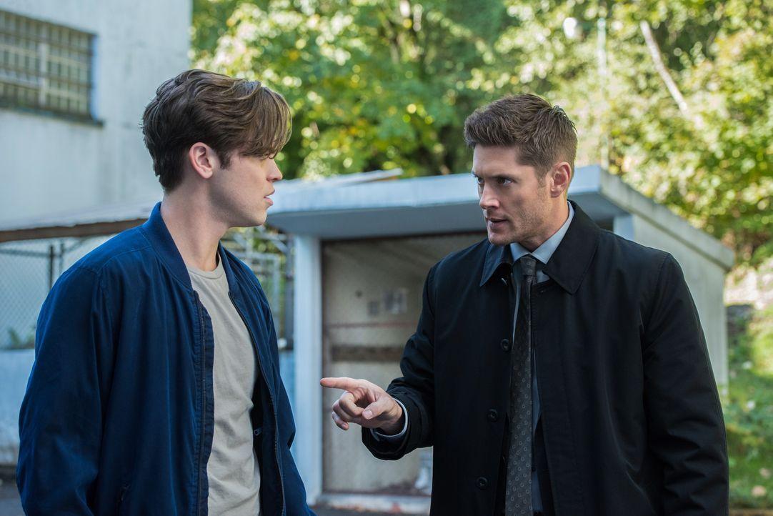 Jack (Alexander Calvert, l.); Dean (Jensen Ackles, r.) - Bildquelle: Dean Buscher 2017 The CW Network, LLC. All Rights Reserved / Dean Buscher