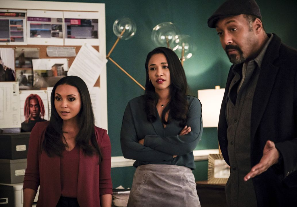(v.l.n.r.) Cecille (Danielle Nicolet); Iris (Candice Patton); Joe (Jesse L. Martin) - Bildquelle: Jeff Weddell 2018 The CW Network, LLC. All rights reserved. / Jeff Weddell