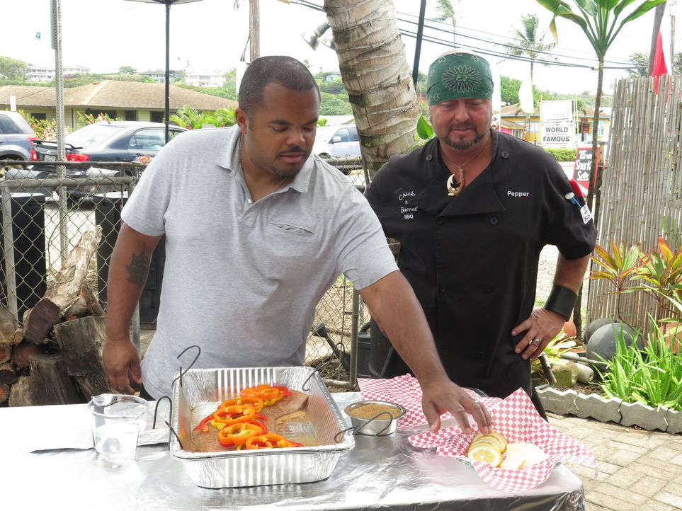 Roger Mooking (l.); Patrick Pepper (r.) - Bildquelle: 2017, Television Food Network, G.P. All Rights Reserved.