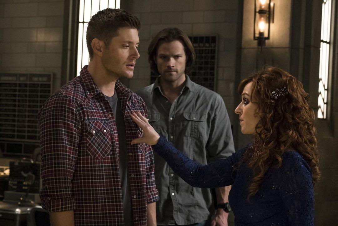 Während bei Dean (Jensen Ackles, l.) die Hoffnung schwindet, dass sie Amara jemals bezwingen und die Welt vor dem Untergang retten können, will Sam... - Bildquelle: 2014 Warner Brothers