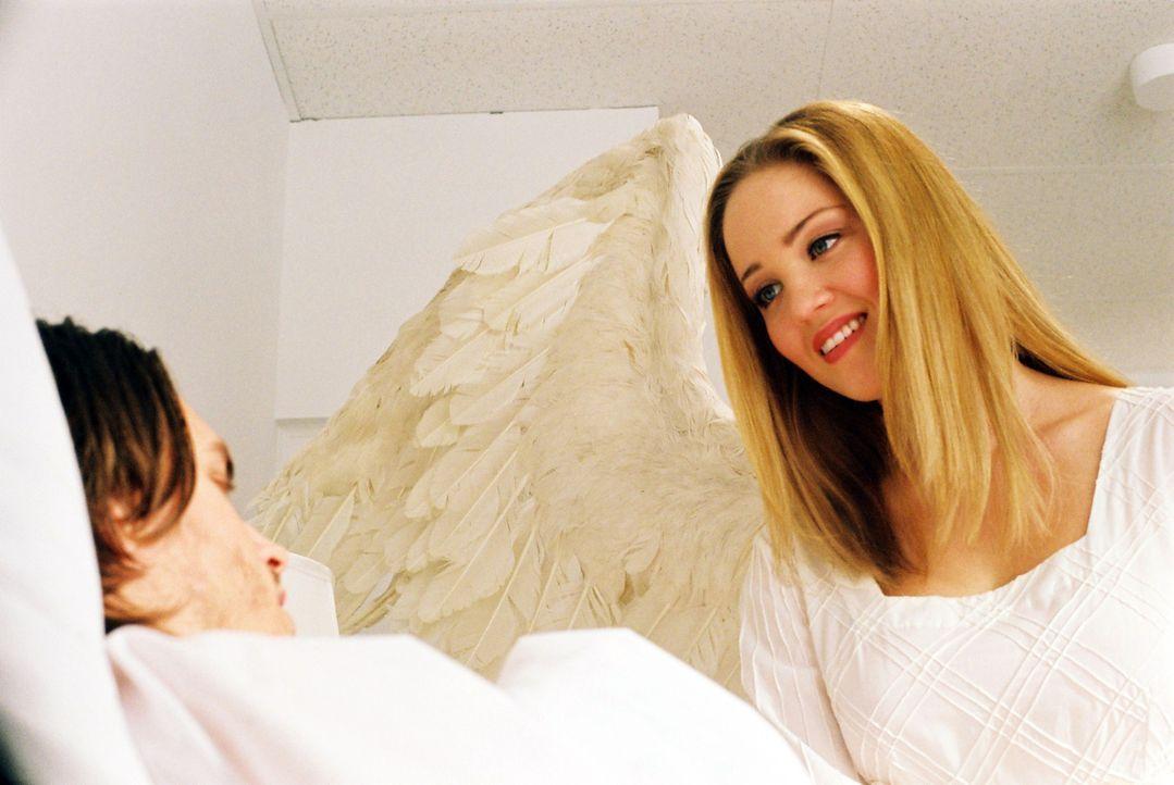 Jessica (Erika Christensen, r.) kann nicht verstehen, warum Alan (Jonathan Jackson, l.) einen Selbstmordversuch gestartet hat .. - Bildquelle: ApolloMedia