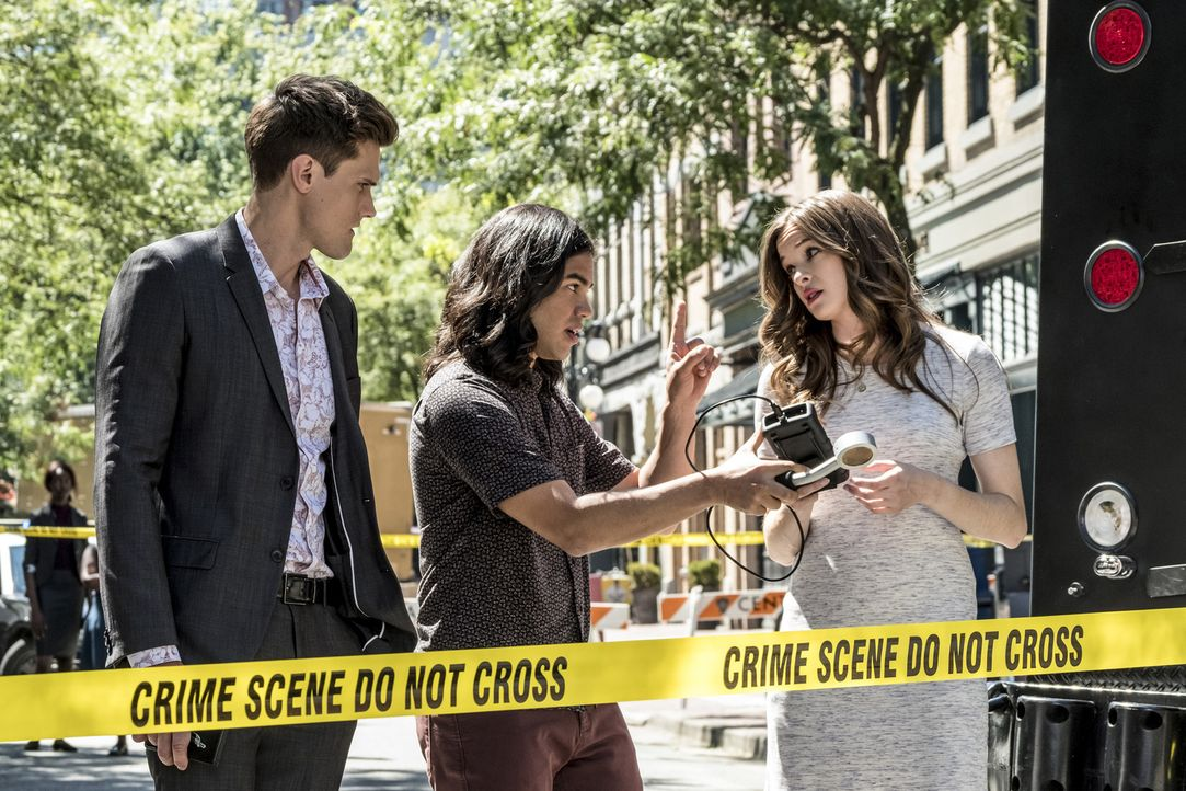 (v.l.n.r.) Ralph (Hartley Sawyer); Cisco (Carlos Valdes); Caitlin (Danielle Panabaker) - Bildquelle: Katie Yu 2018 The CW Network, LLC. All rights reserved.