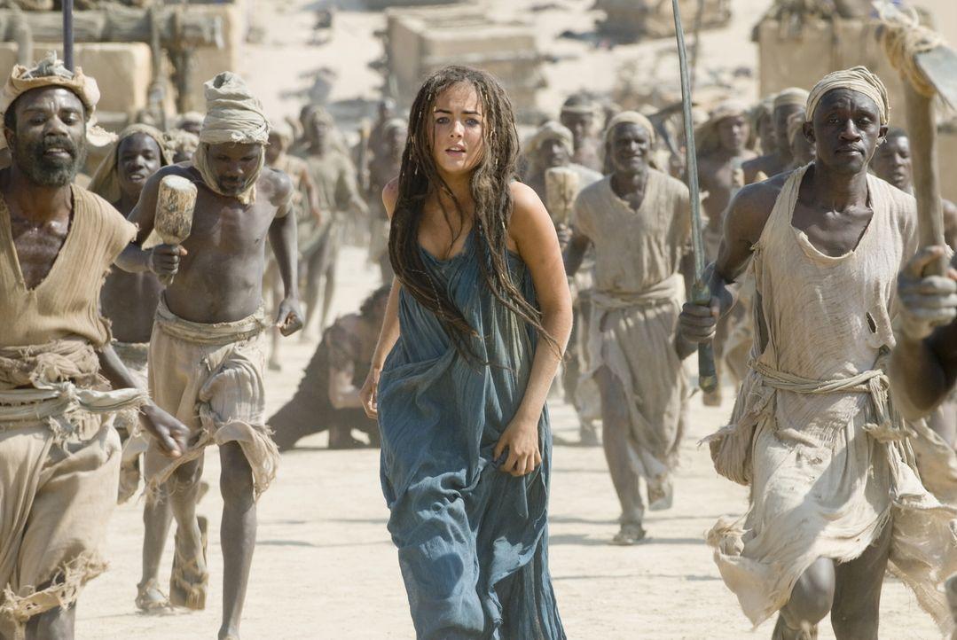Der erfolgreiche Abschluss einer Mammutjagd soll dem Jäger D'Leh das Herz von Evolet (Camilla Belle) einbringen. Doch dann wird die attraktive Frau... - Bildquelle: Warner Brothers