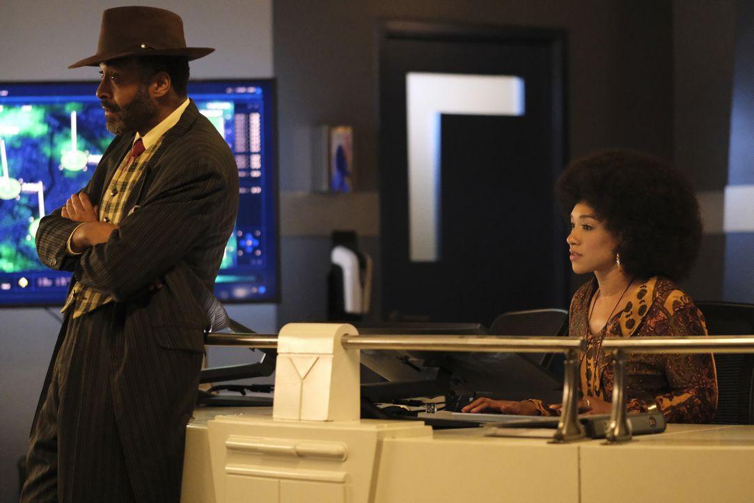 Joe West (Jesse L. Martin, l.); Iris West-Allen (Candice Patton, r.) - Bildquelle: Warner Bros. Entertainment Inc. All Rights Reserved.