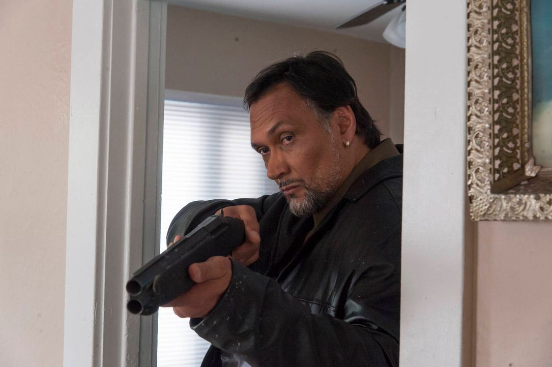 Die neuesten Entwicklungen treiben Nero (Jimmy Smits) in alte Rollenmuster ... - Bildquelle: 2012 Twentieth Century Fox Film Corporation and Bluebush Productions, LLC. All rights reserved.