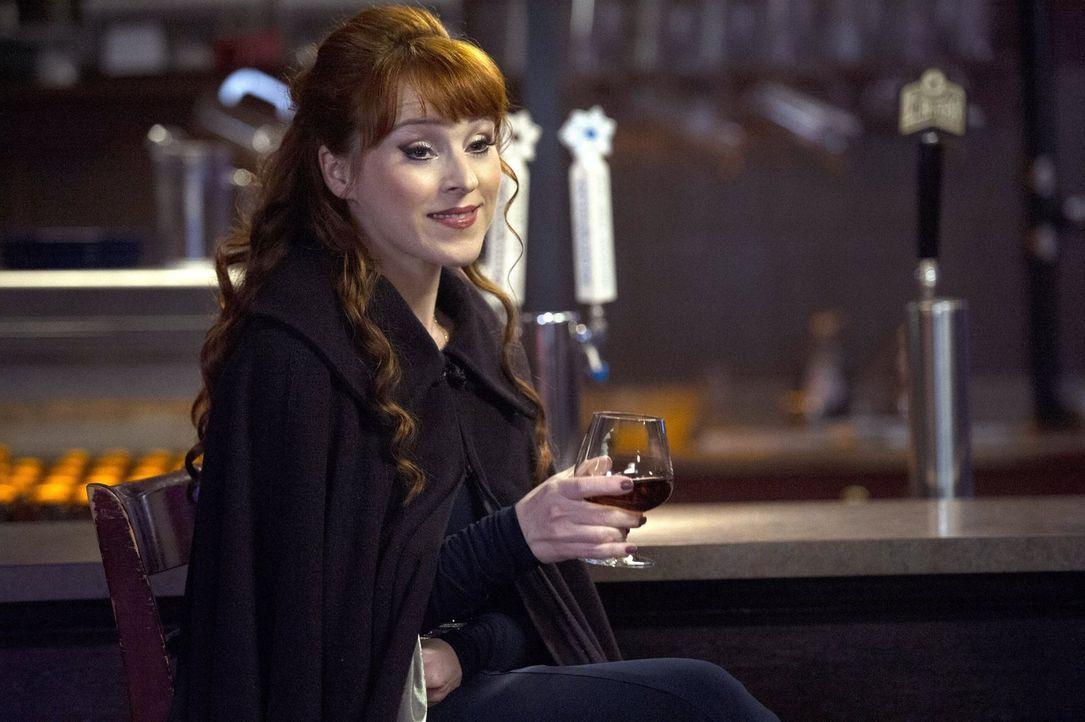 Rowena (Ruth Connell) plant einen Schritt gegen die letzten Männer der Schriften, doch ihr Plan endet anders als erhofft ... - Bildquelle: 2016 Warner Brothers