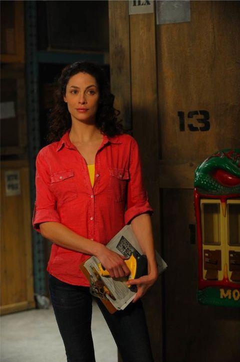 Seit der Inventur im Warehouse ist Myka (Joanne Kelly) nicht mehr sie selbst ... - Bildquelle: Philippe Bosse SCI FI Channel