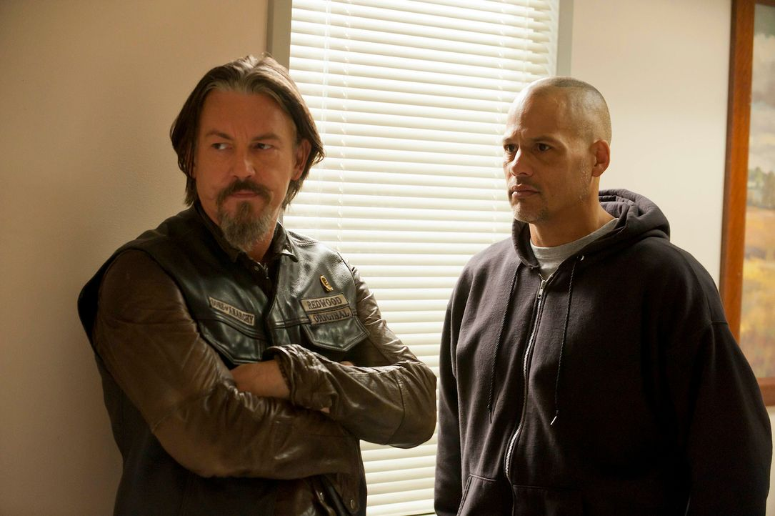 Müssen der Wahrheit ins Auge blicken: Chibs (Tommy Flanagan, l.) und Happy (David Labrava, r.) ... - Bildquelle: 2011 Twentieth Century Fox Film Corporation and Bluebush Productions, LLC. All rights reserved.