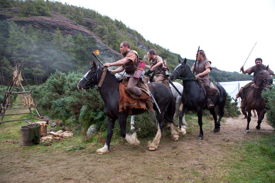 Unterwegs, um Ragnar und Familie auszulöschen: die Truppen des Earls ... - Bildquelle: 2013 TM TELEVISION PRODUCTIONS LIMITED/T5 VIKINGS PRODUCTIONS INC. ALL RIGHTS RESERVED.