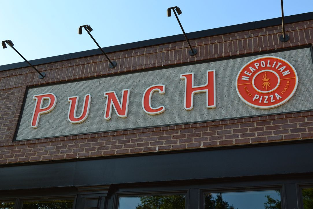 Adams Ziel in St. Paul: Die Pizzeria Punch ist bekannt für ihre leckere Steinofenpizza, die nach jahrhundertealter neapolitanischer Rezeptur und Tec... - Bildquelle: 2011, The Travel Channel, L.L.C. All Rights Reserved.