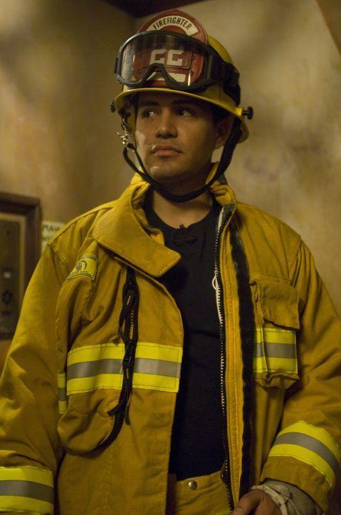 Jake (Jay Hernandez) ahnt nicht, dass in dem alten Mietshaus das Grauen auf ihn wartet ... - Bildquelle: 2008 Screen Gems, Inc.  All rights reserved