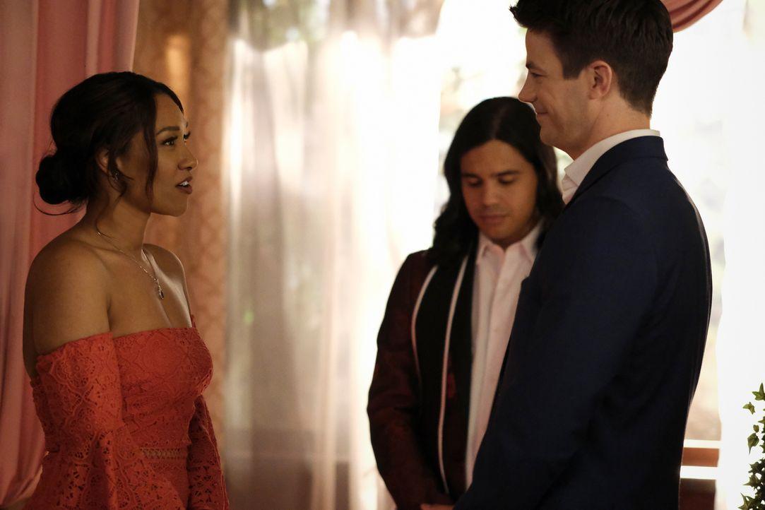 (v.l.n.r.) Iris West-Allen (Candice Patton); Cisco Ramon (Carlos Valdes); Barry Allen (Grant Gustin) - Bildquelle: Warner Bros. Entertainment Inc. All Rights Reserved.