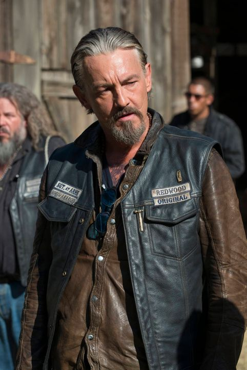 Auch Chibs (Tommy Flanagan) muss sich eingestehen, dass Jax von den jüngsten Ereignissen stark beeinflusst wurde ... - Bildquelle: 2012 Twentieth Century Fox Film Corporation and Bluebush Productions, LLC. All rights reserved.