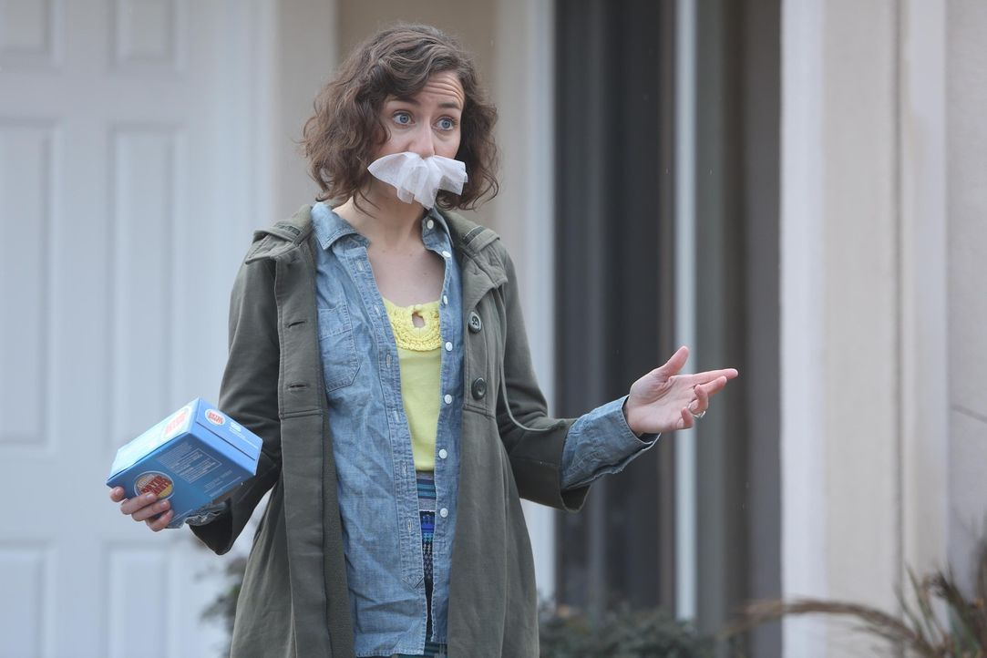 Carol (Kristen Schaal) freut sich darüber, dass Melissa und Todd zueinander gefunden haben. Unterdessen will Phil nichts mehr, als Todd loszuwerden,... - Bildquelle: 2015 Fox and its related entities.  All rights reserved.