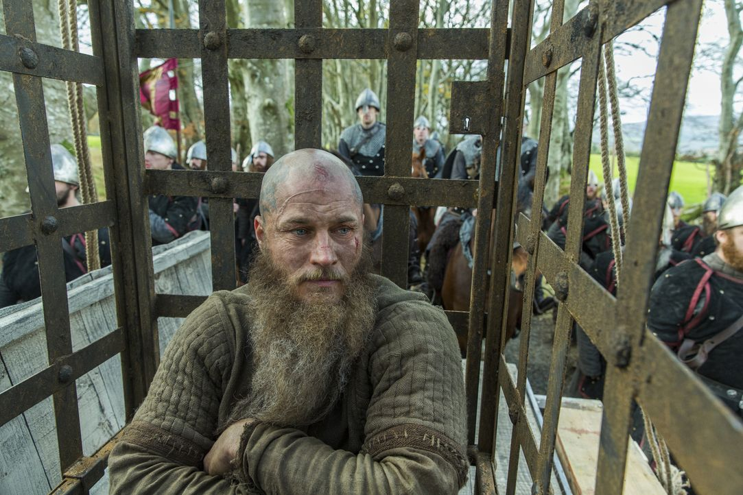 Weiß, dass seine Tage gezählt sind: Ragnar (Travis Fimmel) ... - Bildquelle: 2016 TM PRODUCTIONS LIMITED / T5 VIKINGS III PRODUCTIONS INC. ALL RIGHTS RESERVED.