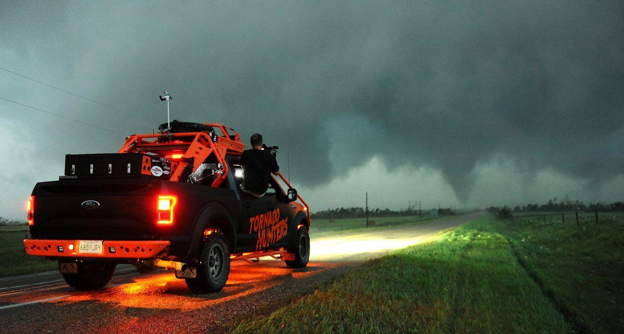 Kurz vor dem Saisonende hoffen die Tornado Hunter noch einmal auf einen spektakulären Sturm ...