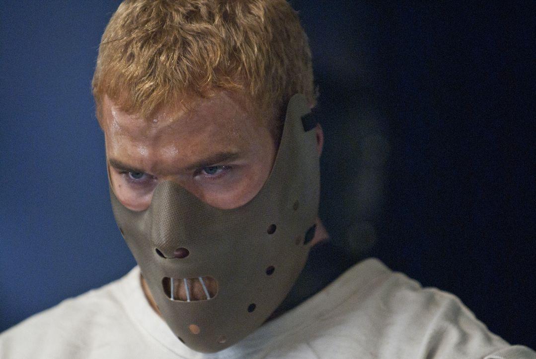 David (Kellan Lutz) bleibt nichts anderes übrig, als zehn tödliche Fights zu bestreiten, um seine Freiheit wiederzuerlangen. Doch er hat einen äußer... - Bildquelle: Sony Pictures Television Inc. All Rights Reserved.