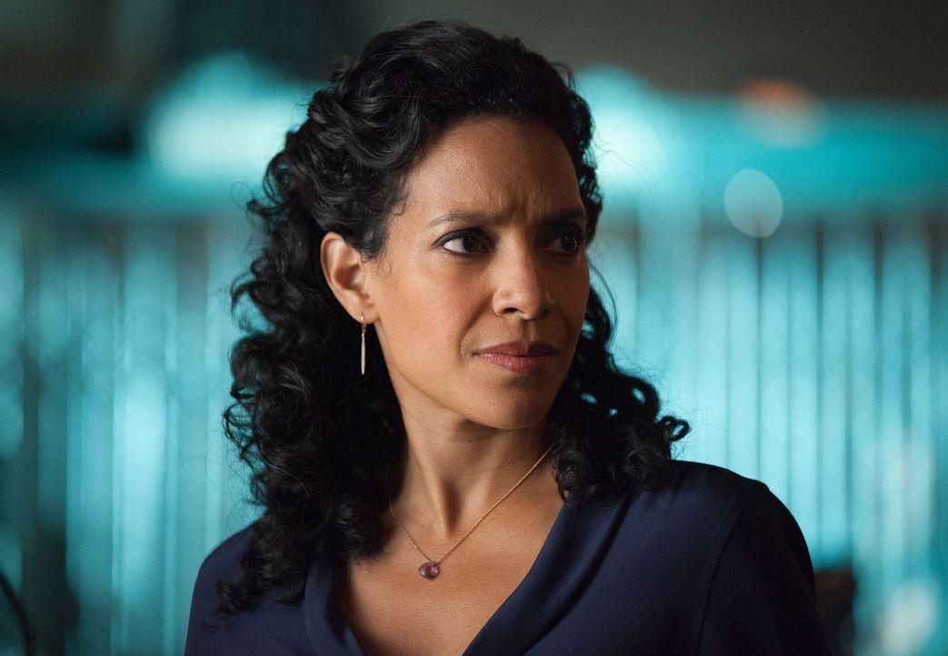 Als ein Mörder die erstgeborenen Kinder der Reichen von Gotham ins Visier nimmt, ist das Team von Captain Sarah Essen (Zabryna Guevara) gefragt, um... - Bildquelle: Warner Bros. Entertainment, Inc.