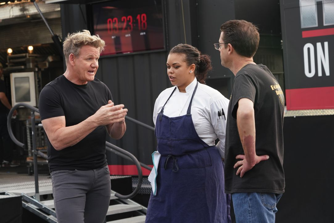 Gordon Ramsay (l.) - Bildquelle: Studio Ramsay and all3media international