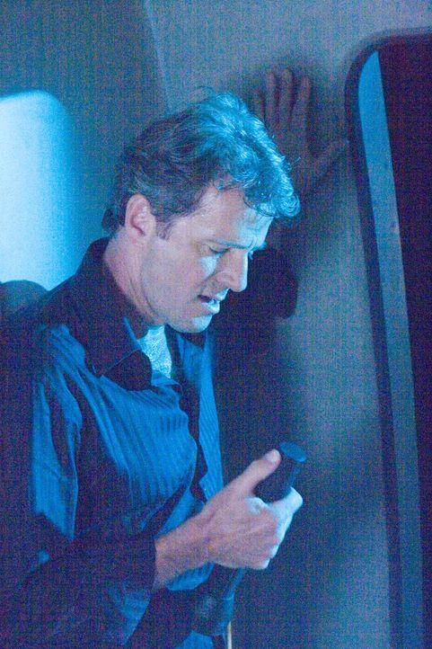 Hobbypilot John Berry (Aidan Quinn) muss seine spärliche Flugerfahrung einsetzen, um das Unmögliche zu schaffen: die Landung von Flug 52 ... - Bildquelle: Columbia Broadcasting System