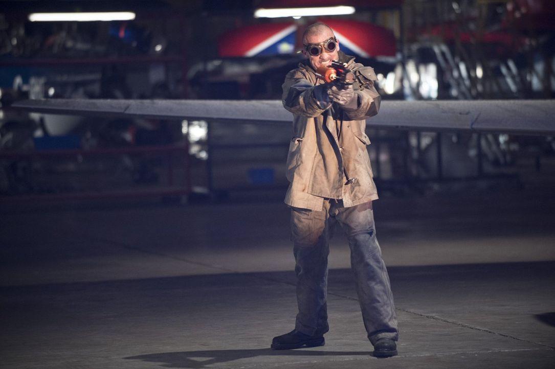 Mit ihm ist nicht zu spaßen: Mick Rory alias Heat Wave (Dominic Purcell) ... - Bildquelle: Warner Brothers.