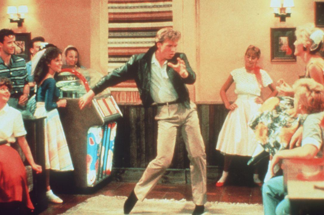 Der amerikanische Rockstar Nick Rivers (Val Kilmer, M.) ahnt nicht, dass er mit seinem großen Konzert in der DDR nur die Weltöffentlichkeit von fins... - Bildquelle: Paramount Pictures