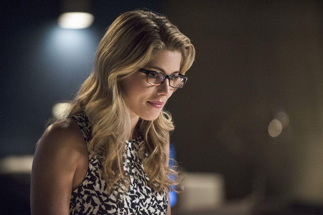Steht Barry zur Seite: Felicity (Emily Bett Rickards) ... - Bildquelle: Warner Brothers.