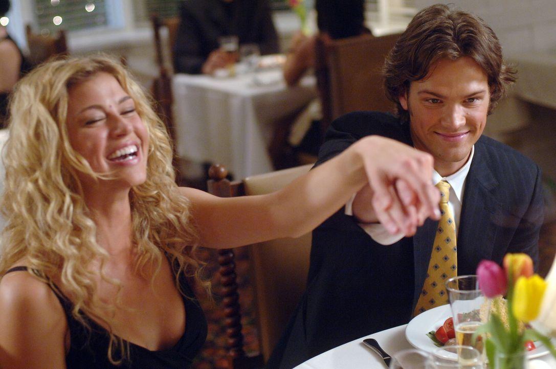 Führen ein normales Leben: Jessica (Adrianne Palicki, r.) und Sam (Jared Padalecki, l.) ... - Bildquelle: Warner Bros. Television