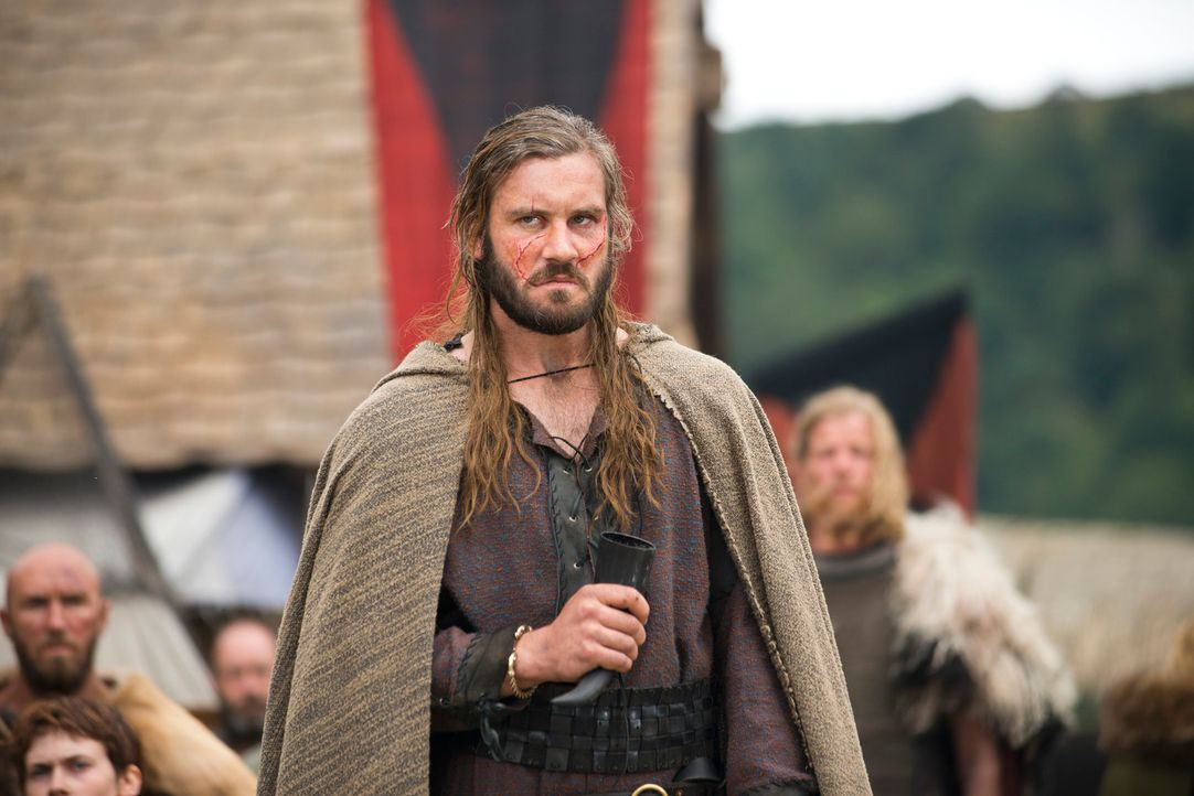 Hasst es, dass sein Bruder im Mittelpunkt steht und der Earl geworden ist: Rollo (Clive Standen) ... - Bildquelle: 2013 TM TELEVISION PRODUCTIONS LIMITED/T5 VIKINGS PRODUCTIONS INC. ALL RIGHTS RESERVED.