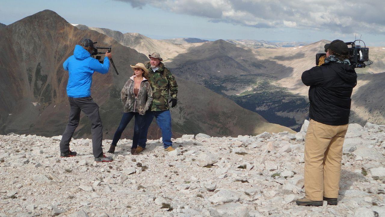 """Hinter den Kulissen von """"Rocky Mountain Miners - Die Jagd nach Edelsteinen"""" ist immer etwas los ... - Bildquelle: High Noon Entertainment 2014"""