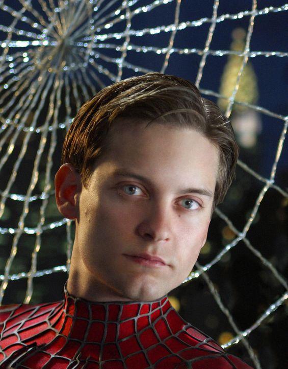 Peter Parker (Tobey Maguire) ist in einer Zwickmühle: Soll er das Dasein als Spider-Man an den Nagel hängen und sich seinem privaten Glück widmen od... - Bildquelle: Sony Pictures Television International. All Rights Reserved.