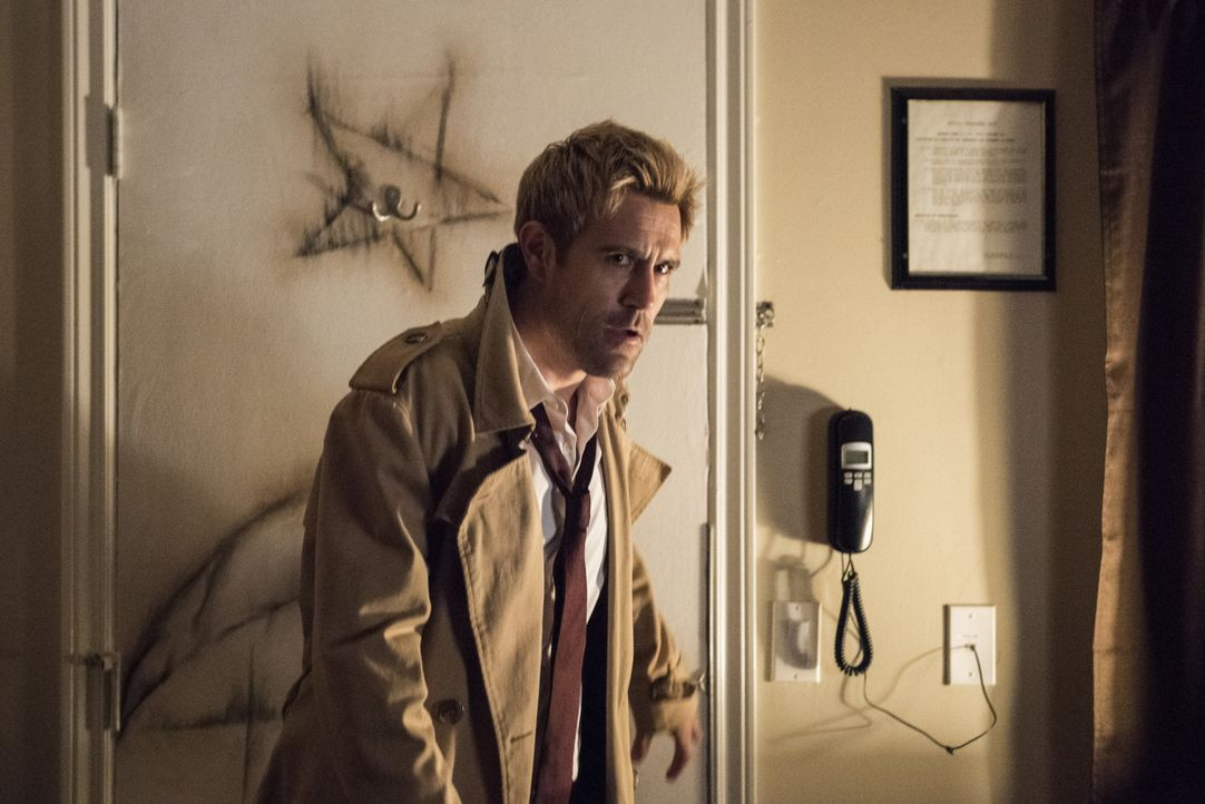 Constantine (Matt Ryan) - Bildquelle: Dean Buscher 2019 The CW Network, LLC. All rights reserved. / Dean Buscher