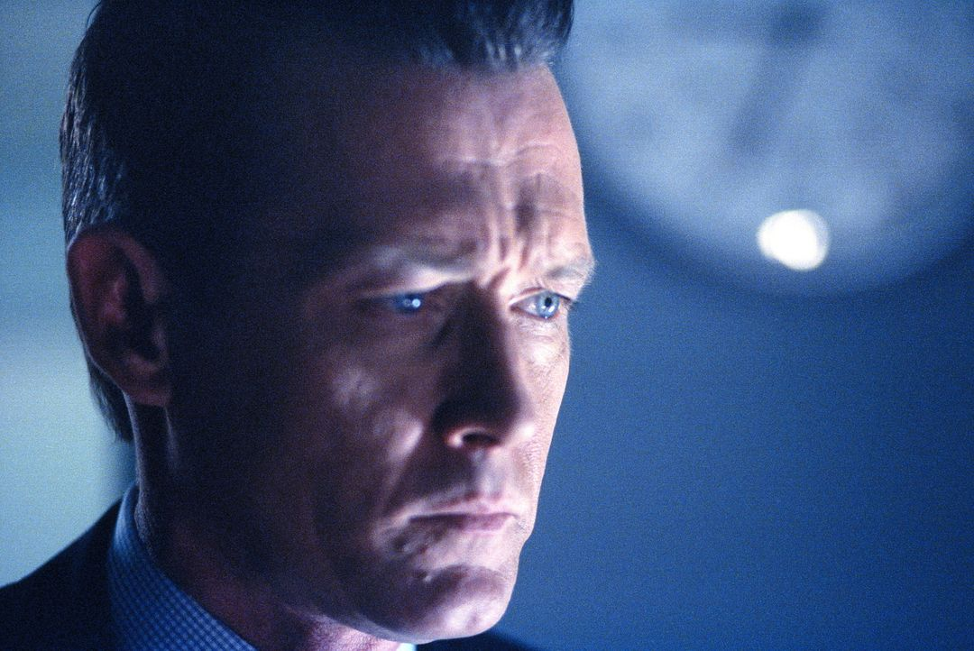 Doggett (Robert Patrick) weigert sich beharrlich, das Phänomen anzuerkennen ... - Bildquelle: TM +   2000 Twentieth Century Fox Film Corporation. All Rights Reserved.