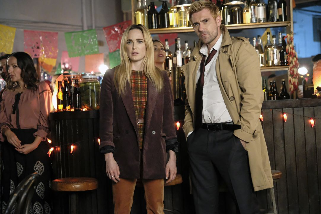 Sara (Caity Lotz, l.); Constantine (Matt Ryan, r.) - Bildquelle: Bettina Strauss 2018 The CW Network, LLC. All rights reserved. / Bettina Strauss