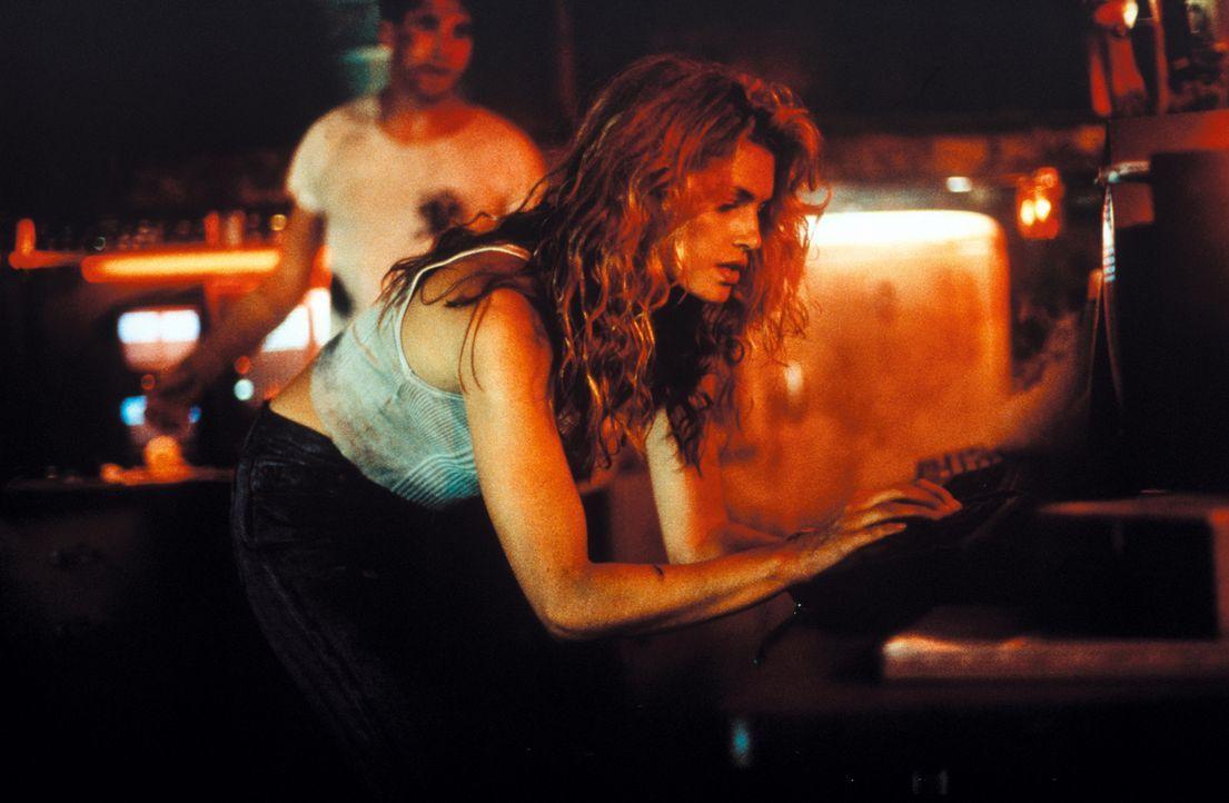 Als die Scheidungsanwältin Kate McQuean (Cindy Crawford) zufällig ein tödliches Geheimnis aufdeckt, gerät sie ins Visier der mörderischen russischen... - Bildquelle: Warner Bros. Pictures