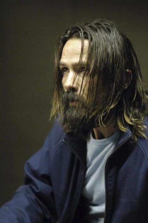Jordan Collier (Bill Campbell) ist wieder zurück ... - Bildquelle: Viacom Productions Inc.