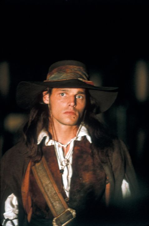 D'Artagnan (Justin Chambers) hat nur ein Ziel: Er will Rache am Tod seiner Eltern üben, die von den Schergen Richelieus ermordet wurden, und entfess... - Bildquelle: MDP Worldwide