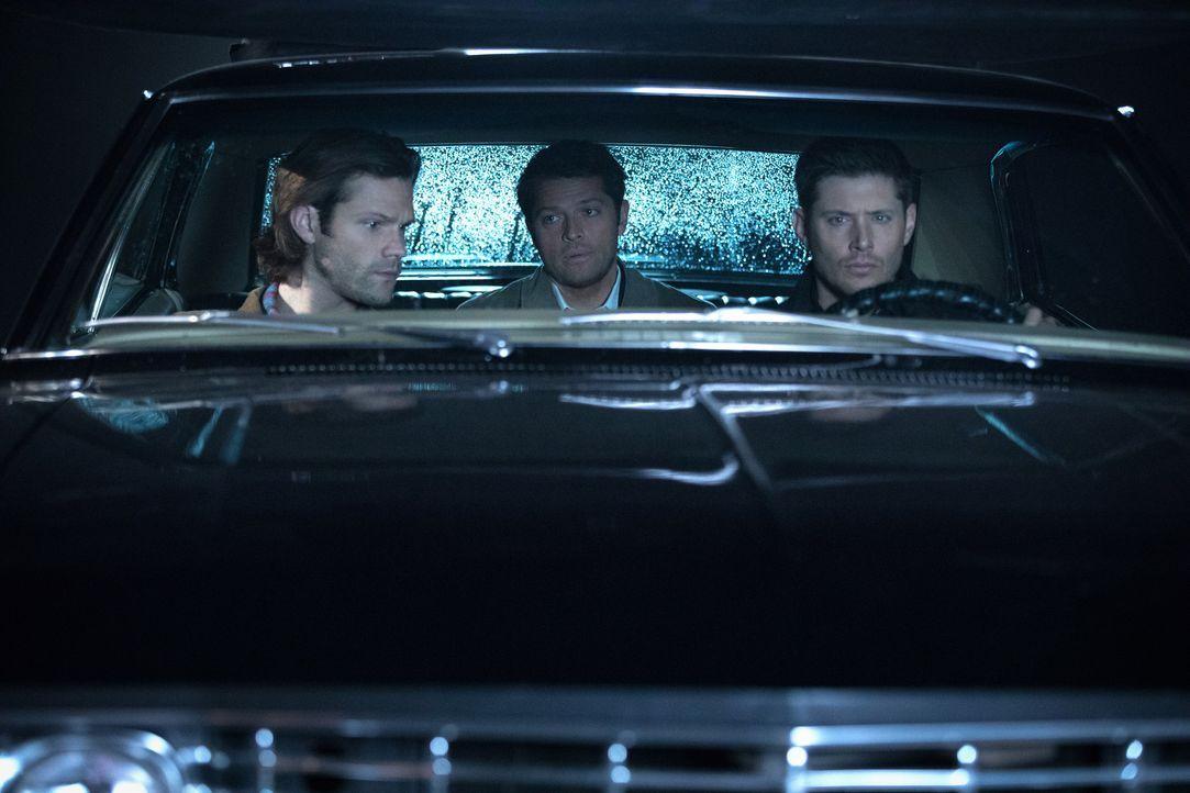 (v.l.n.r.) Sam (Jared Padalecki); Castiel (Misha Colins); Dean (Jensen Ackles) - Bildquelle: Jack Rowand 2016 The CW Network, LLC. All Rights Reserved / Jack Rowand