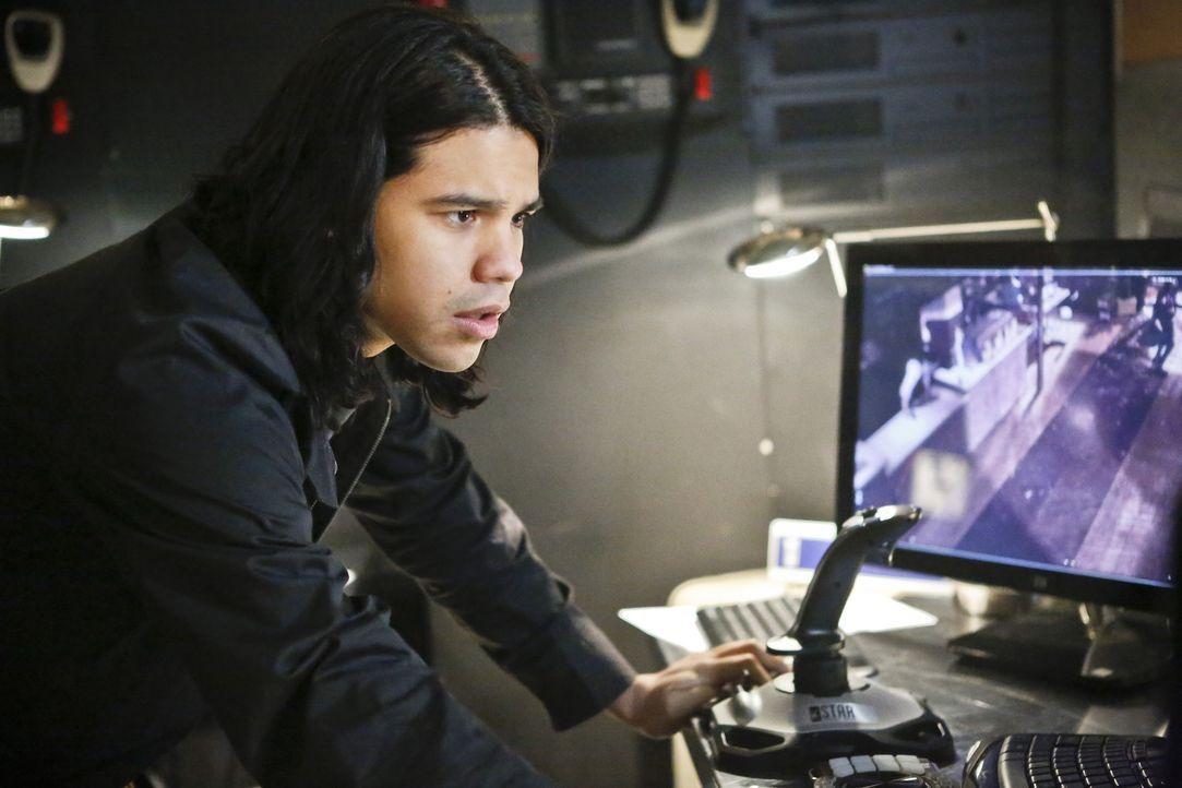 Als ein Meta-Wesen von der Welt 2 nach Central City kommt, muss sich Cisco (Carlos Valdes) nicht nur mit diesem, sondern auch mit seinem Bruder heru... - Bildquelle: Warner Bros. Entertainment, Inc.