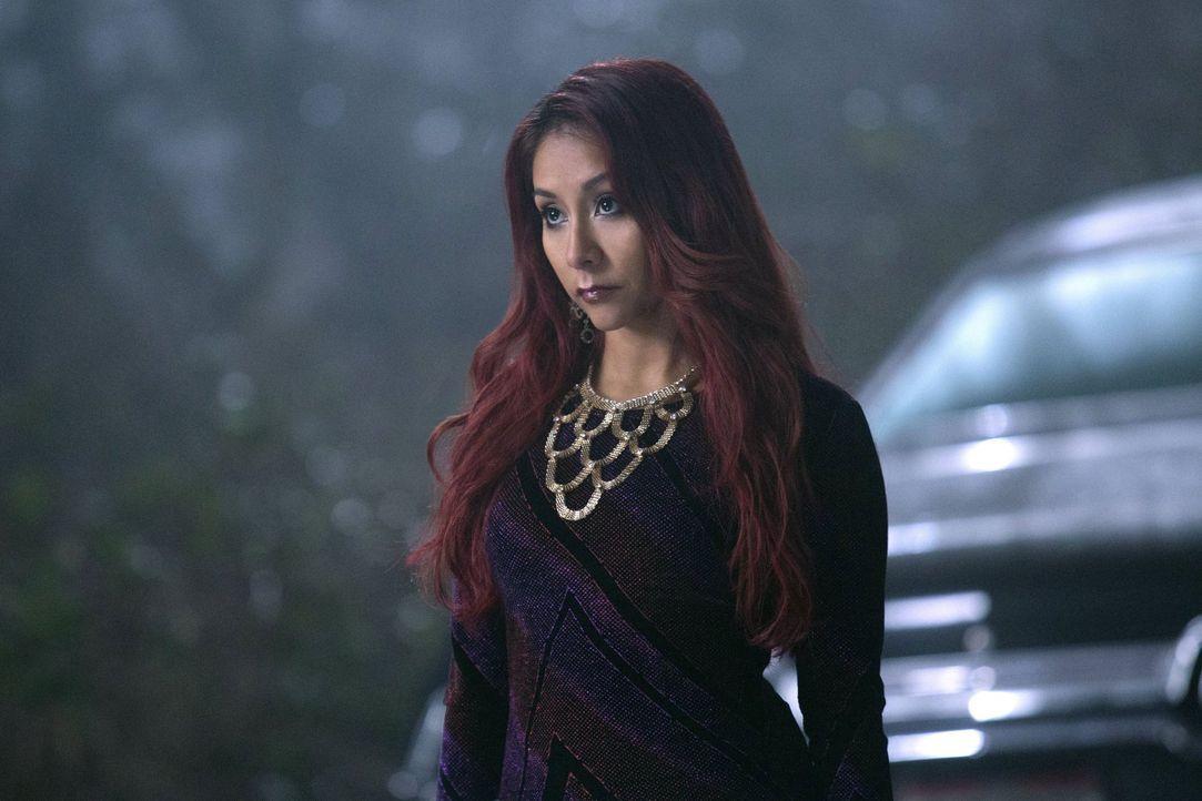 Hat Nicole (Nicole Polizzi) wichtige Informationen über den Verbleib von Crowley für die Winchesters? - Bildquelle: 2013 Warner Brothers