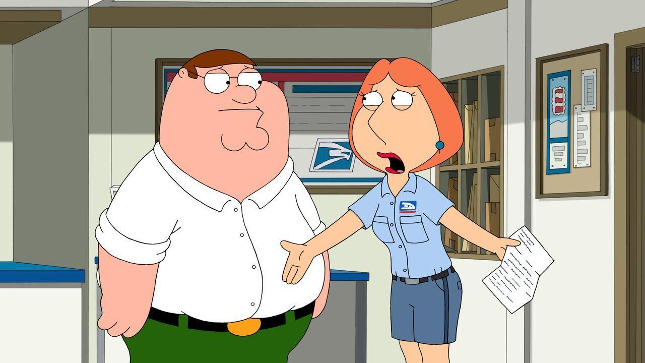 Als Lois (r.) einen Nebenjob im Postamt annimmt, findet sie eine Kiste mit nie zugestellten Briefen. Auch von Peter (l.) ist einer für eine Frau nam... - Bildquelle: 2015-2016 Fox and its related entities. All rights reserved.