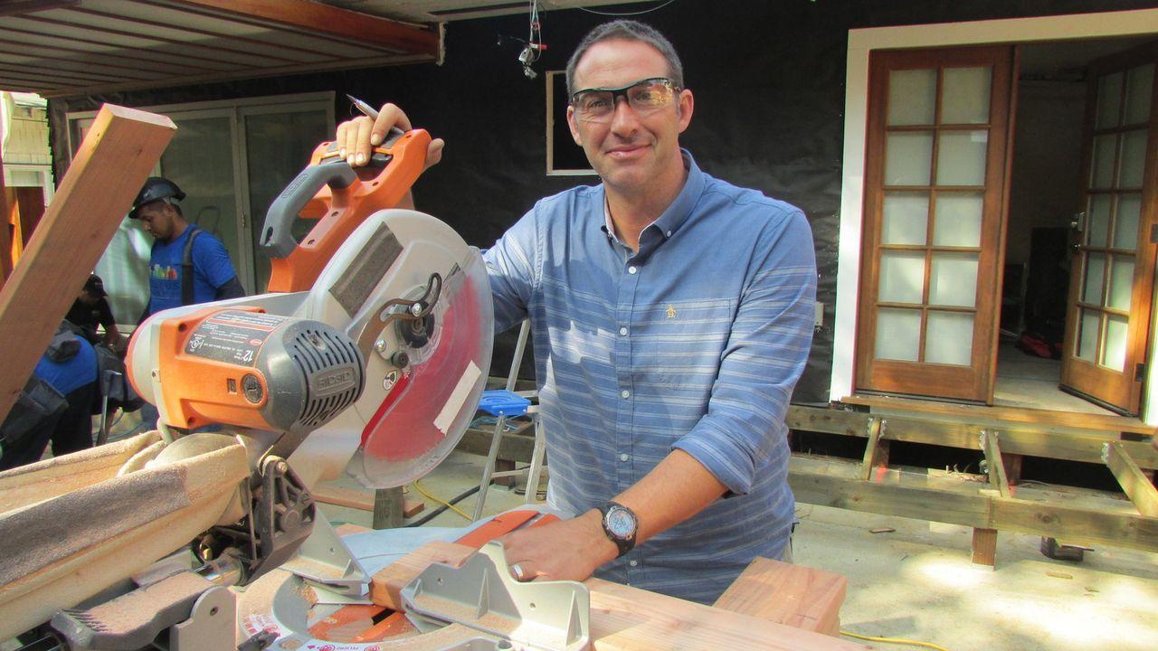 (11. Staffel) - Bauunternehmer Josh Temple sucht in Baumärkten nach Heimwerkern, die Hilfe benötigen. Wer Joshs Hilfe annimmt, erhält innerhalb von... - Bildquelle: 2015, DIY Network/Scripps Networks, LLC. All Rights Reserved.