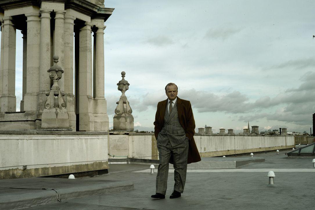Der neue MI6-Chef Percy Alleline (Toby Jones, l.) spinnt eine Intrige nach der anderen und keiner weiß, welches Ziel er wirklich verfolgt ... - Bildquelle: Studiocanal GmbH
